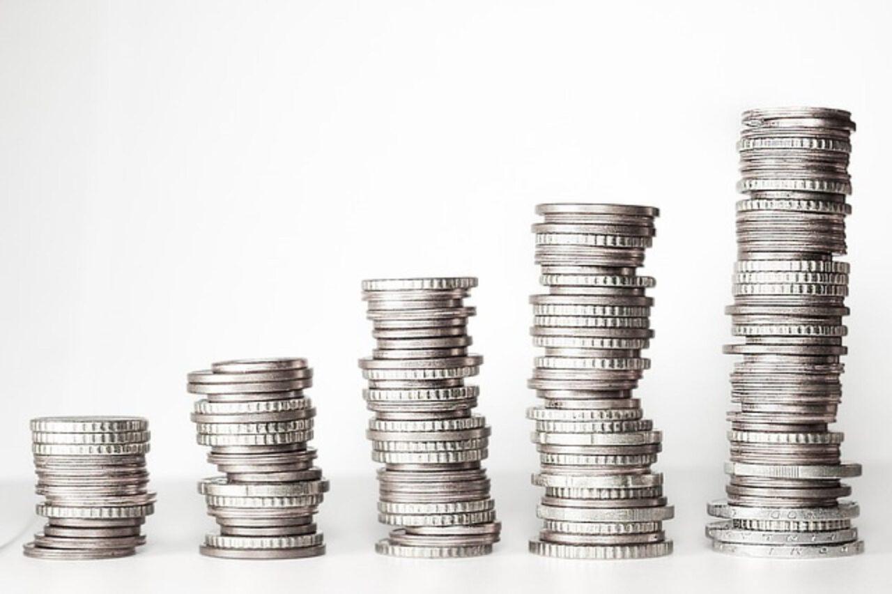 Inwestowanie małych kwot – w co inwestować małe pieniądze?